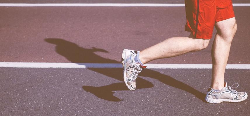 Kolano biegacza, czyli dlaczego boli jak biegam