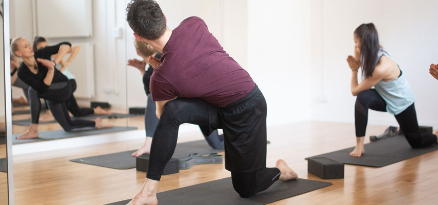 Joga i pilates sposobem na ból pleców i kręgosłupa